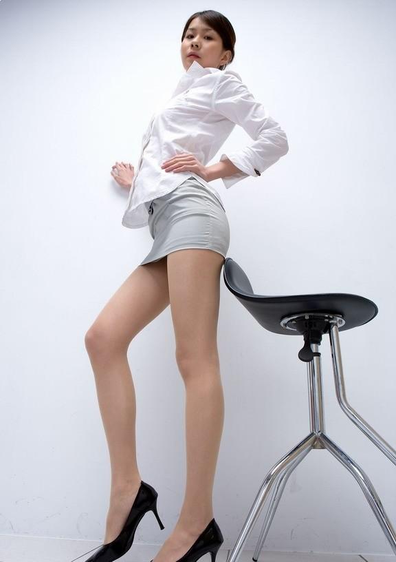 办公制服美女的翘臀 小屁屁超性感论坛图片 张