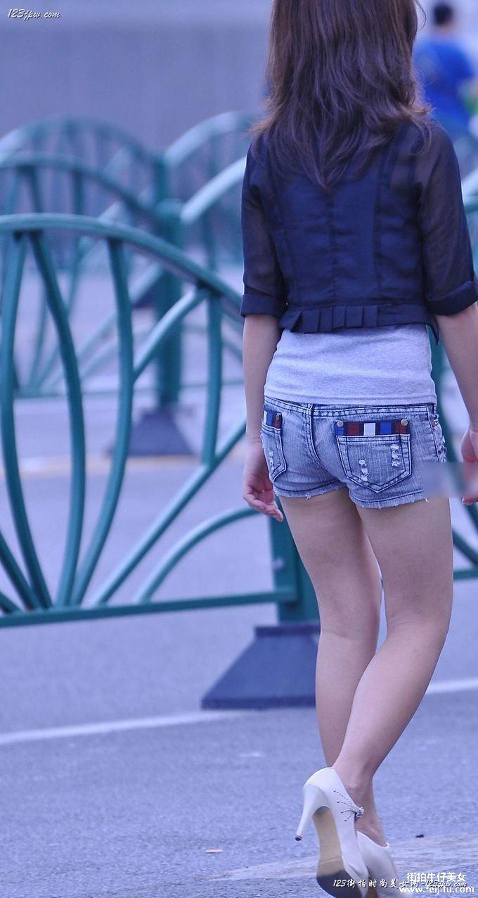 宜搜热裤美女; 各有风味的牛仔美臀论坛图片