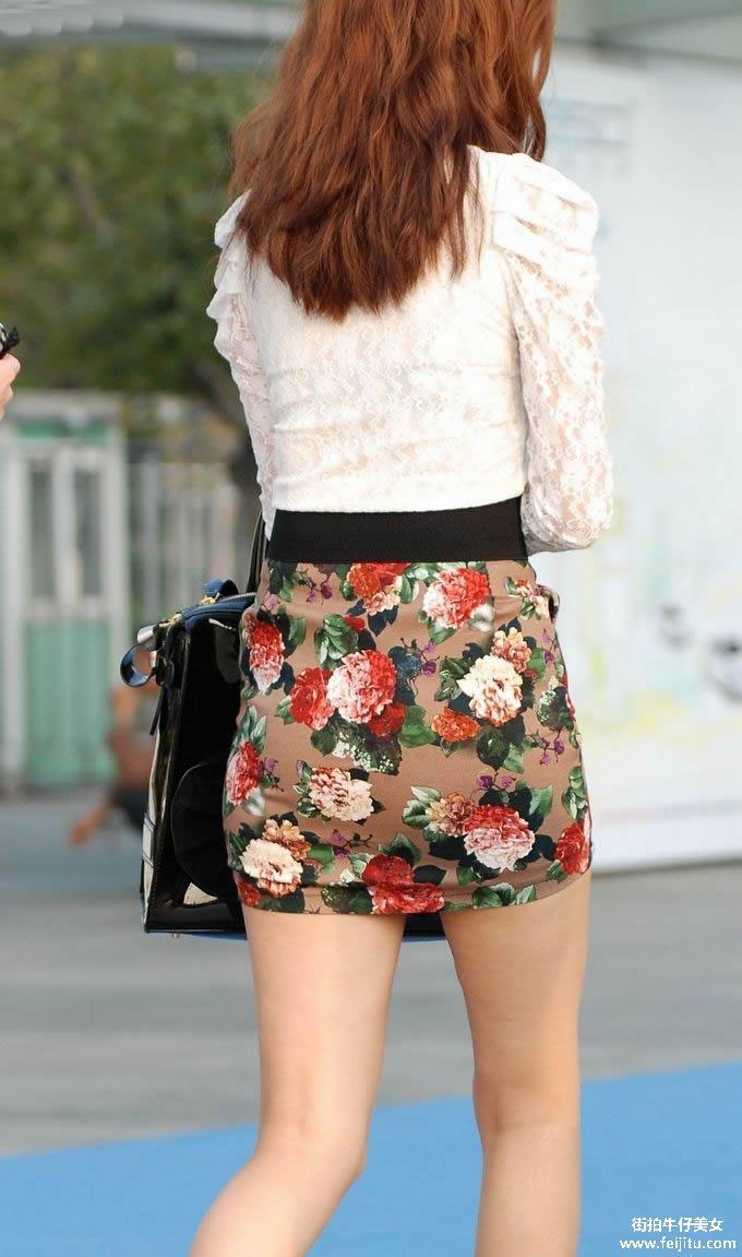 街拍丰满的短裙少妇