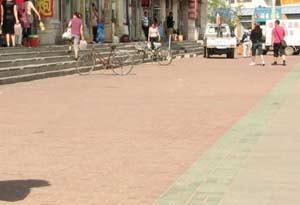 [注意]海区头道街:街道变身货场停车场