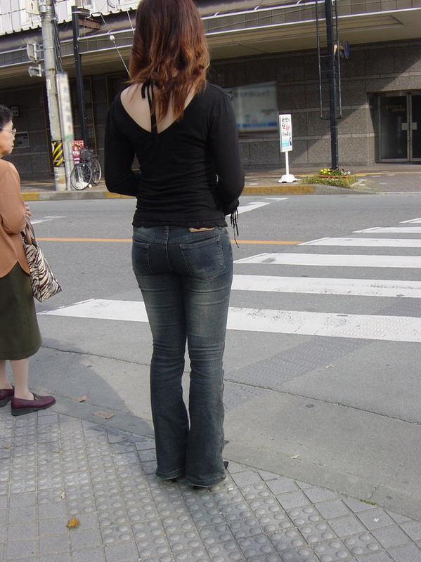 街拍超性感丰臀