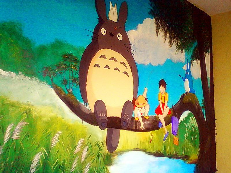 墙画手绘可爱卡通龙猫