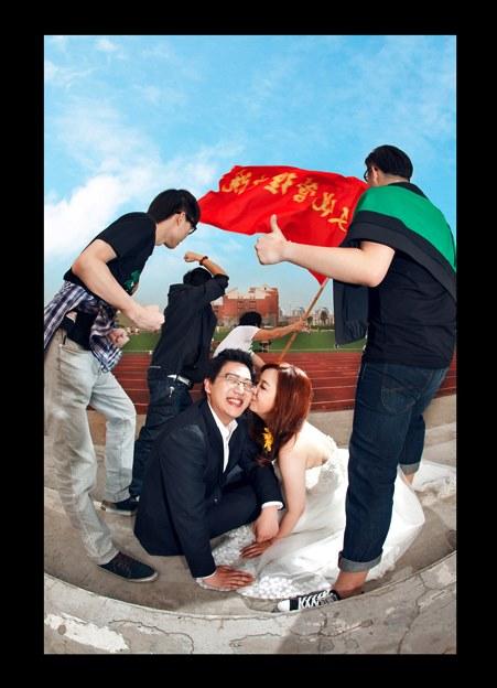 我也想玩儿出一套婚纱照。。。