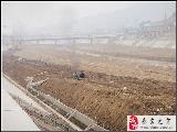 秦安�h南小河排水道工程�M展