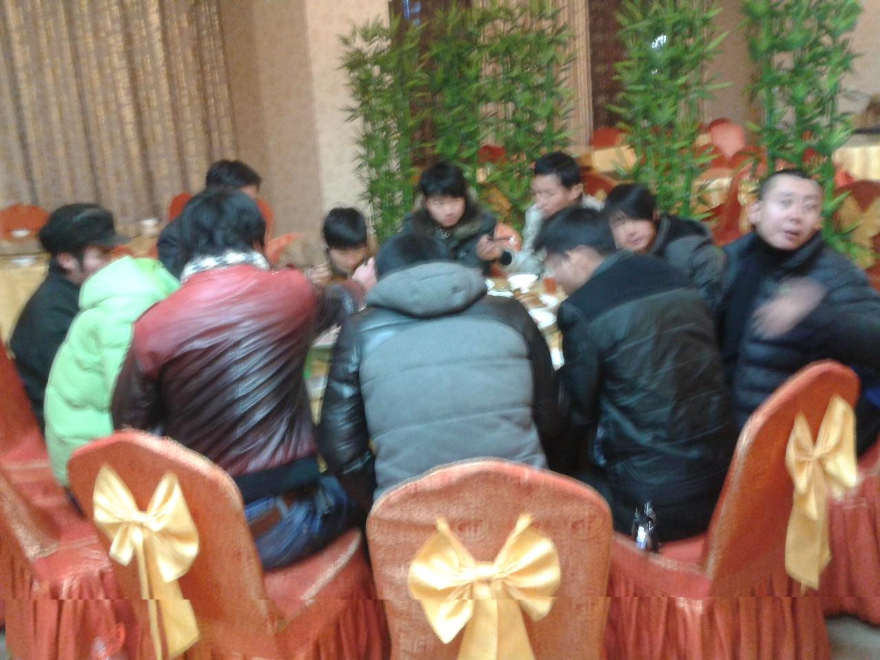 聚餐吃饭照片,多人聚餐吃饭照片,同事聚餐_点力图库