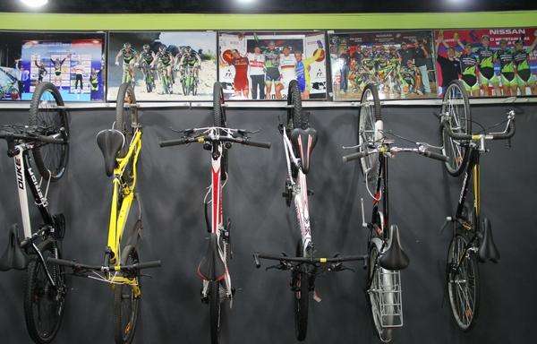 自行车专卖店装修图; 美利达自行车专卖店_安新黄页; 育婴店门头装修