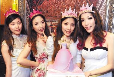 杭州单家四胞胎姐妹25周岁了