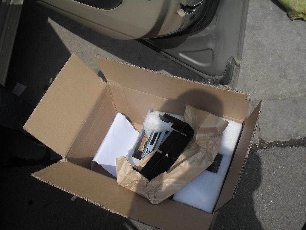 昆明凯迪拉克CTS/SRX安装原厂升降9寸大屏导航六碟DVD倒车后视