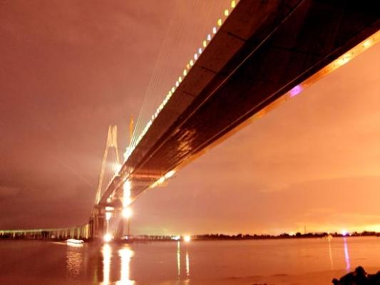 [贴图]盘锦夜幕下的辽河大桥