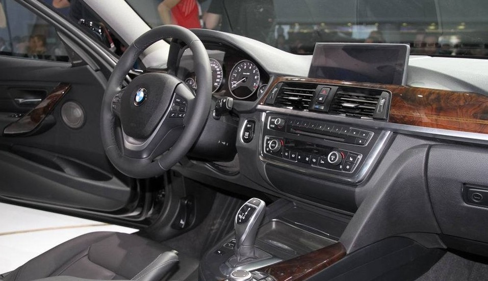[转贴]全新宝马3系轿车上市 售价31.60-59.96万