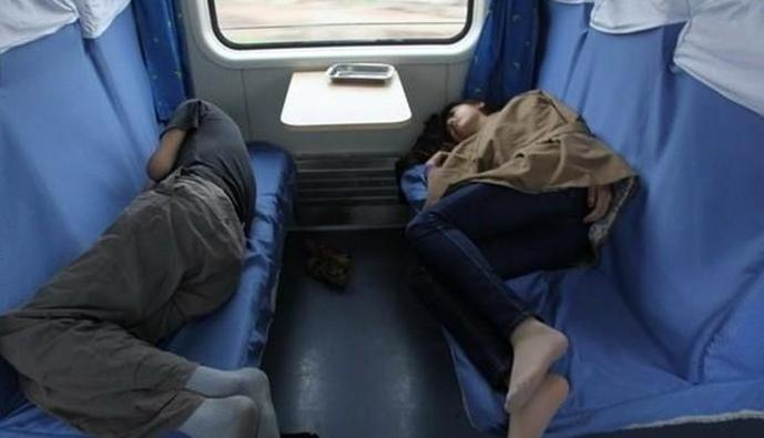 火车上的睡姿下载 火车上玩女乘客睡姿 -火车上的睡姿 火车上的睡姿最