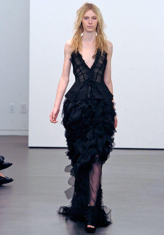 Vera Wang黑色婚纱打破常规