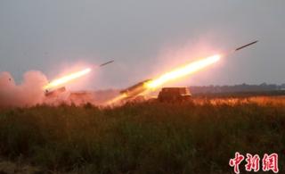 济南军区战区举行大规模炮兵防空兵实弹演习