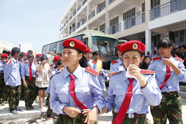 [原创]相时容易,别是难!记广西民族师范学院2012军训新生教官离别之