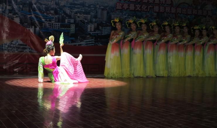 美女歌舞 杨小刚作品