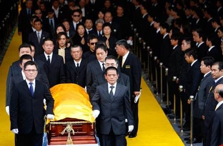 黑社会大哥的出殡仪式