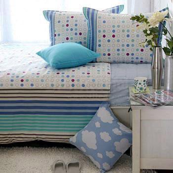 蓝白为主角沙发区注入小清新