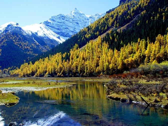 [原创]四川秋冬旅游:看雪山,赏最美的红叶
