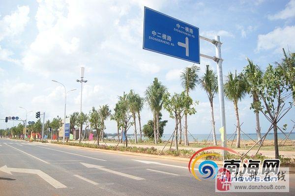 滨海大道起点位于白马井镇滨海新区核心区中五横路,终点至排浦镇