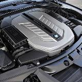 马力铺路 宝马V12引擎诞生25周年