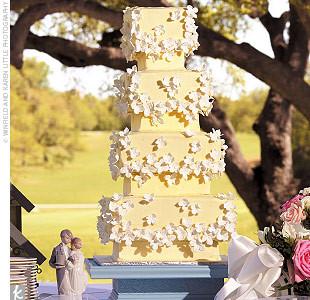 在你的婚礼上,总要有一款蛋糕能hold住全场。