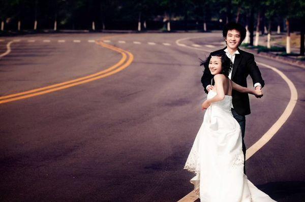 各种美丽的婚纱照。拒绝俗套,要的就是创意