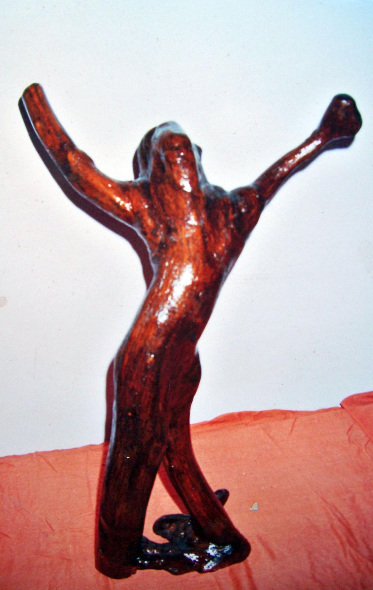 盐亭艺人杜广周精雕细刻让枯树根焕发新生命