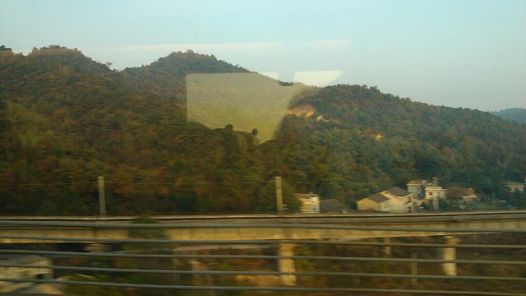 武广高/昨天我乘坐14点17分广州南到武汉的高铁,所以乘客都在睡大觉,...