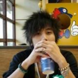男子日喝1.25升可乐 持续2个月喝掉胃结石