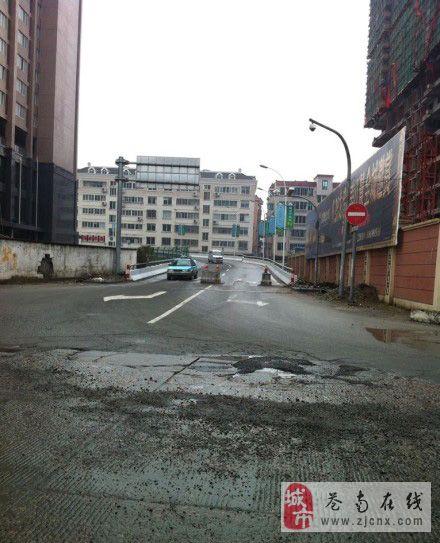 瓯南大桥已设路障,超宽车辆不能通行