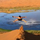 大漠天湖――-沙金湖