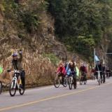 穿越自行车队
