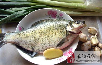红烧鳊鱼(全程记录图)