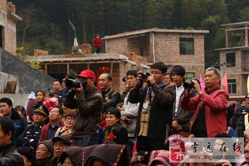 湖南蓝山县四民族乡同庆30周年盛典——汇源瑶族乡现场异彩纷呈