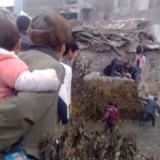 27日下午17:10左右丁旗政府旁一家?#25307;陆?#27004;房坍塌,已造成3伤3死