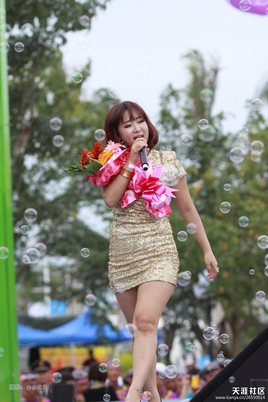 主题: 直击2012年第十三届中国海南岛欢乐节 群星荟萃 盛况空前[精彩