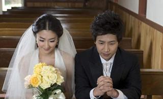 简单4招打造完美内景婚纱照