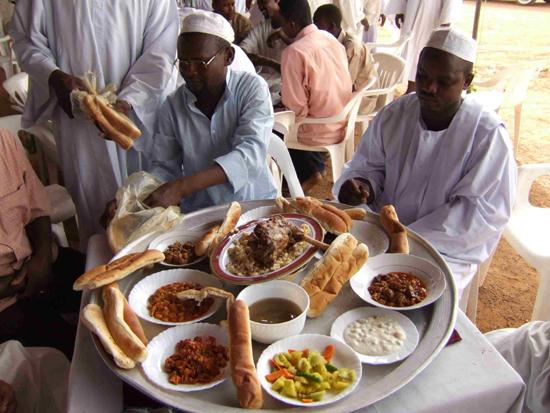 非洲人吃饭与礼仪图片