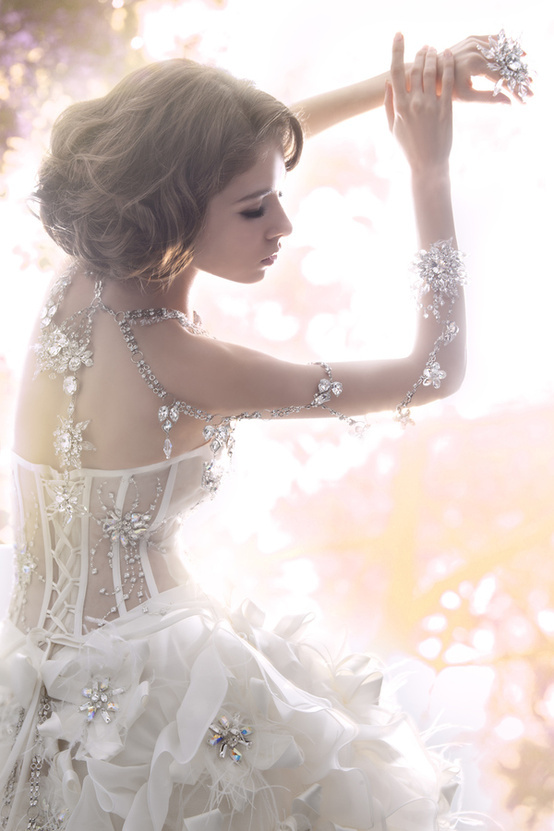 漂亮的婚纱,三江有木有?