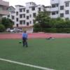 [原��]�钣铌怀砷L日�――踢足球