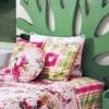 至潮花色床品 打造暖春的卧室设计