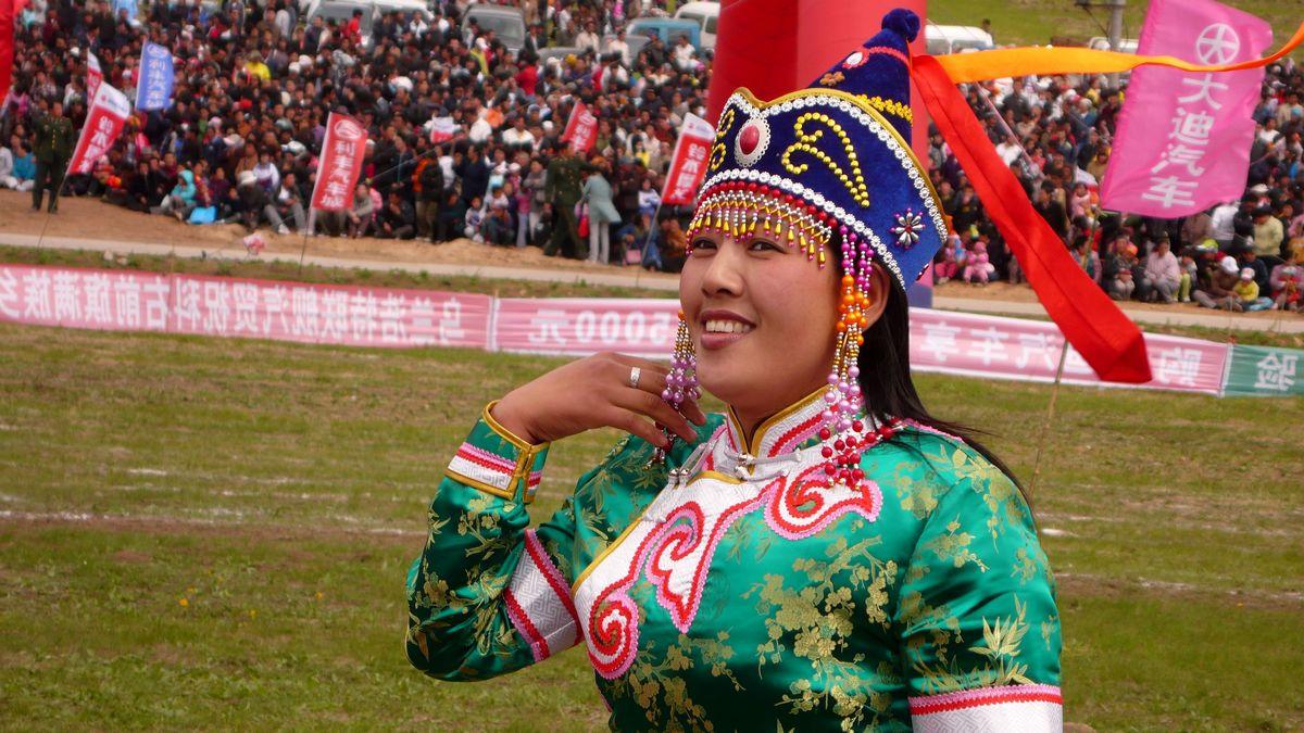 蒙古族可爱小男孩图片