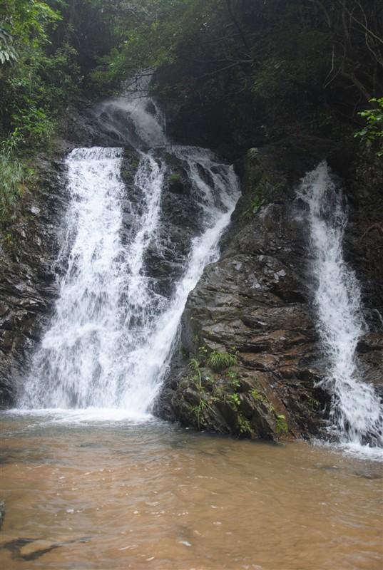 陆川旅游————龙颈瀑布风景区