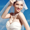 [原创]银雪红唇婚纱写真显娴静之美