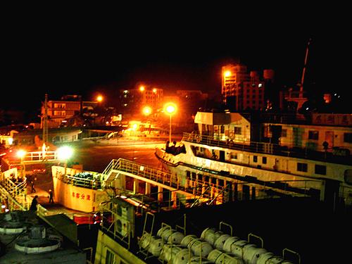 海南之旅是一次开心之旅,浪漫之旅;海港之夜更是迷人之夜.