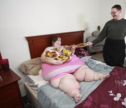 实拍世界最胖女人的生活