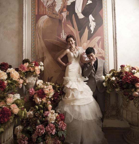 演绎浪漫的欧式宫廷风格的婚纱照