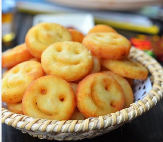 做一份喜气洋洋的过年小点心~~~~笑脸土豆饼