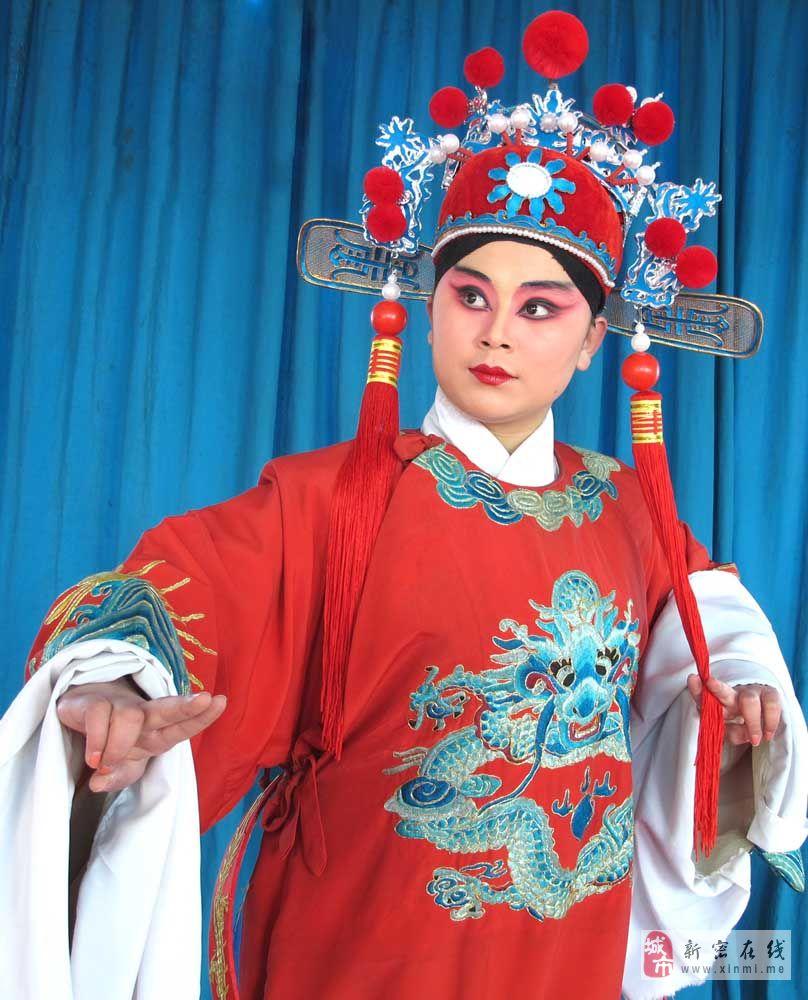 龙8国际春节戏曲晚会演出成功
