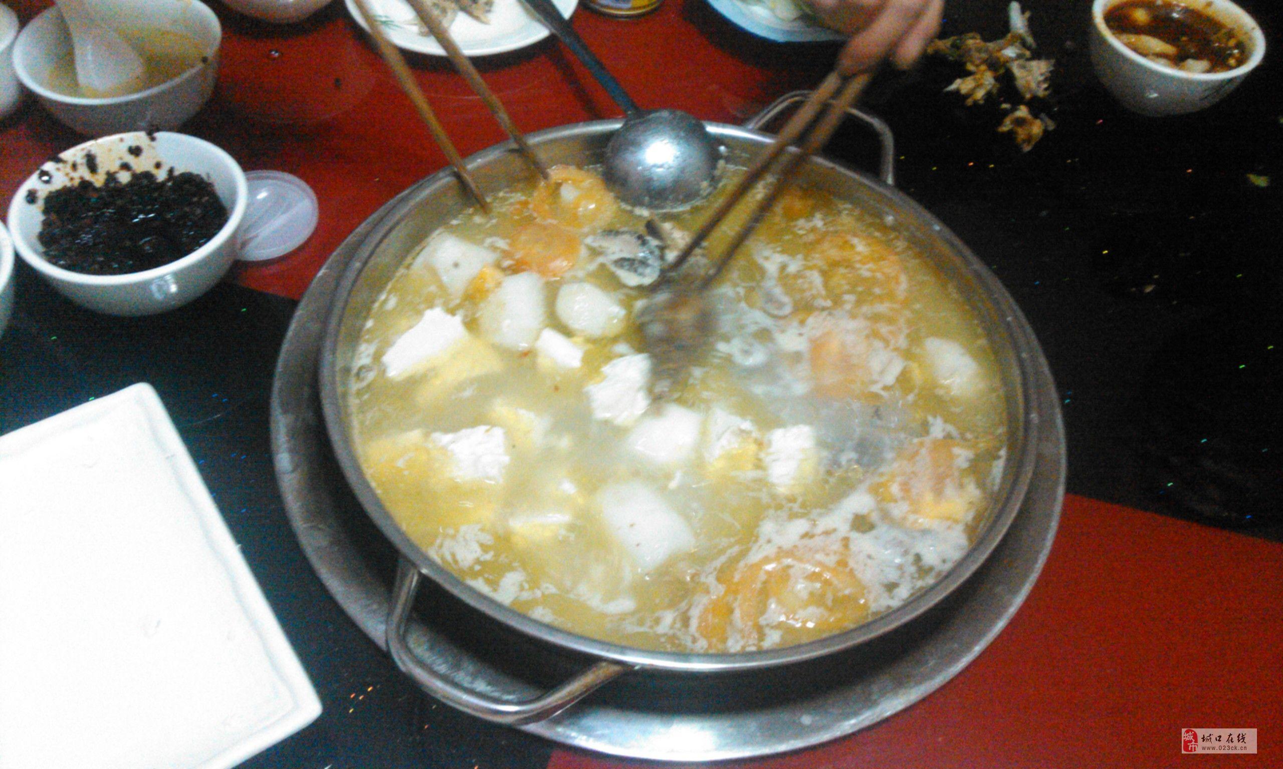 百味珍的滋补土鸡汤锅味道巴实!